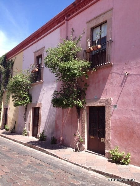 wander the side streets of Queretaro
