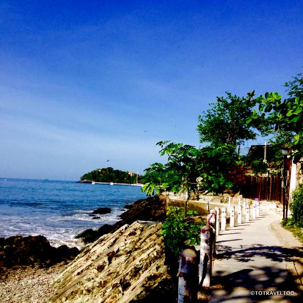 Fishermans Path to Playa La Madera in Zihuatanejo