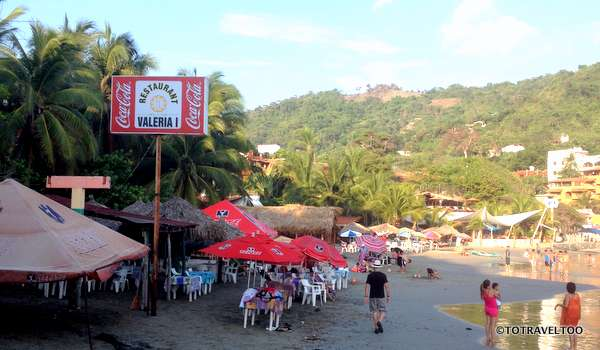 Our favourite restaurant Valeria I on Playa La Madera in Zihuatanejo