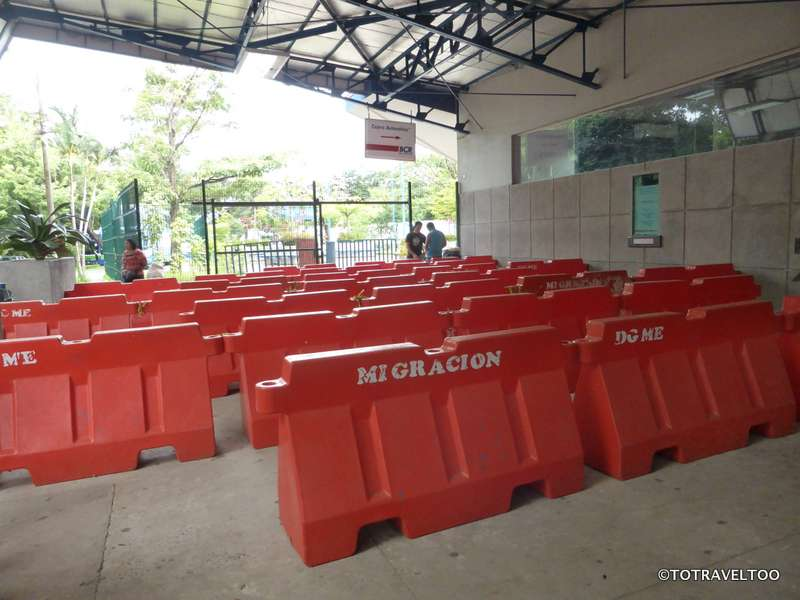 The entrance to Costa Rica Immigration