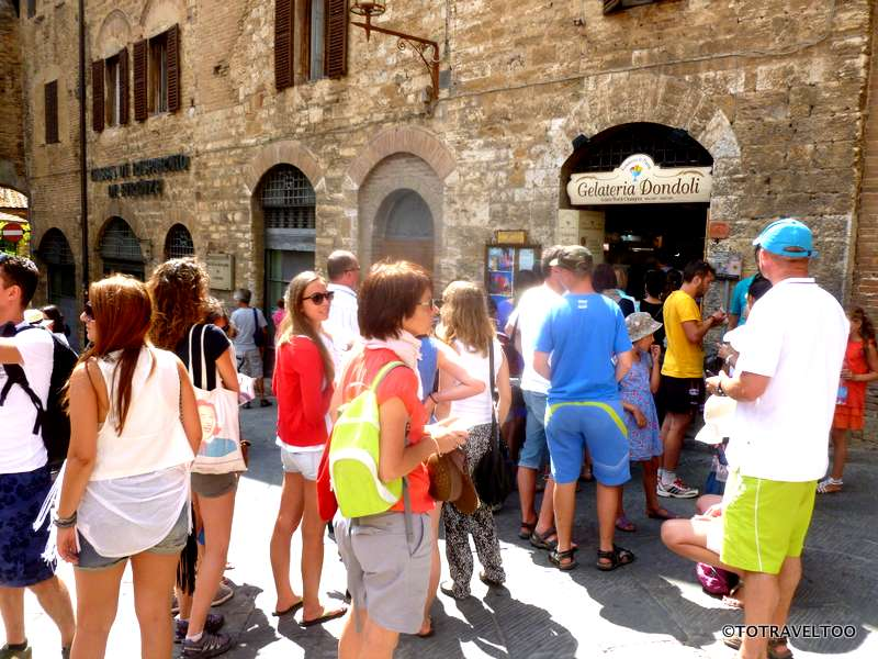 There is always a queue here - best Italian Gelato in San Gimignano